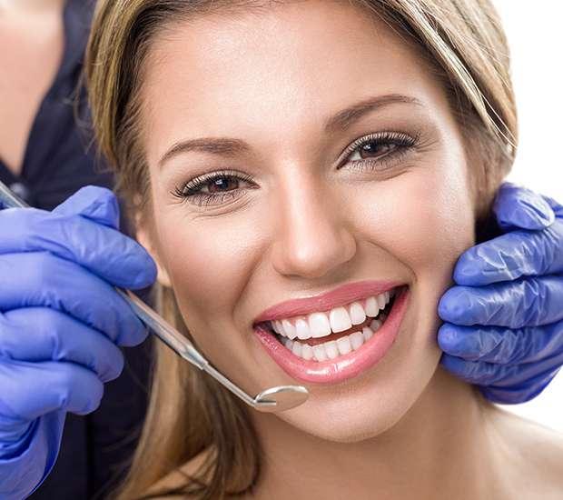 Hutto Teeth Whitening at Dentist
